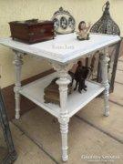 Provence bútor, fehér antikolt ónémet kisasztal 01.