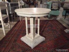 Provence fehér antikolt kör alakú dohányzóasztal 05.