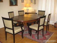 Antik ebédlő asztal 4 székkel és 2 karosszékkel.