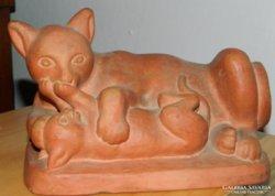 Szőllősi Endre  kisplasztika : macska gyermekével