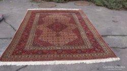 Iráni, szignós kézi csomózású szőnyeg