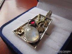 Gránát és holdkő arany, ezüst medál