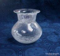 Gyönyörű fátyolüveg váza