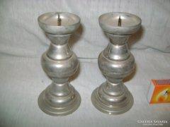 Két darab fém gyertyatartó - együtt eladó
