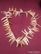 Dél-Afrikai kagyló héjából készült női nyaklánc