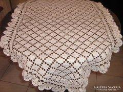 Meseszép 110x65 ovális fehér horgolt csipke terítő