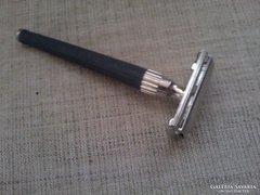Régi szép állapotú jelzett  Gillette borotva/England