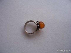 Antik ezüstgyűrű borostyánnal