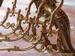 Barokk stílusú vállfa