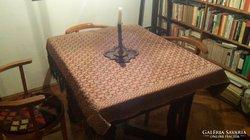 Szecessziós ebédlőasztal 4-8 fős társasá gyönyörű lábakkal,