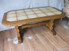 Antik csempelapos bővíthető dohányzó asztal eladó!