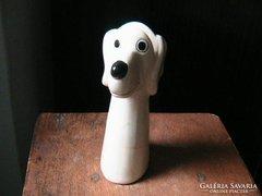 Szép kisméretű kerámia kutya