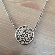 Cascade ezüst színű antikolt nyaklánc medállal