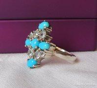 Szépséges ezüst gyűrű kristályokkal és türkizes gyöngyökkel
