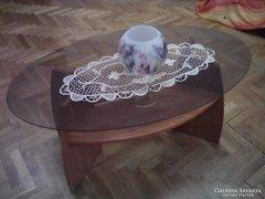 LEÁRAZTAM! Ovális üveglapos cseresznye színű dohányzóasztal