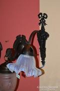 Kék üvegburás réz falikar
