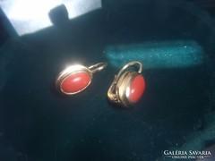 Arany fülbevaló / korall