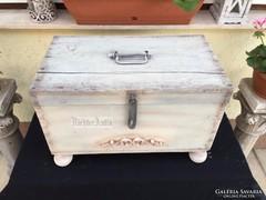Provence bútor, antikolt fehér utazóláda 17.