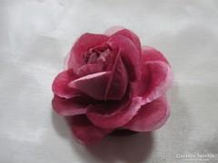 Piros rózsa bross,kardísz 10 x 10 cm.