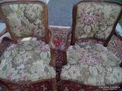 2 db faragott neobarokk karfás szék eladó!