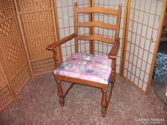 Antik karfás szék eladó!