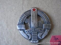 Jugoszláv jelvény
