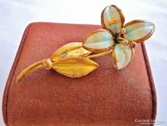 Gyönyörű antik aranyozott zománcos virág bross