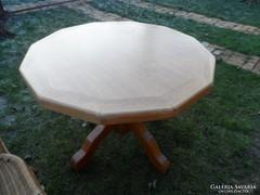 Kerek asztal + székek