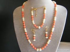 Valódi Korall és tenyésztett gyöngy ékszer szett