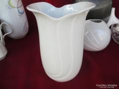 Royal KPM anyagában mintás váza 0506