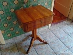 1840 körüli biedermeier varróasztal.....