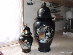 Antik 2 db olasz porcelán urna, váza tetővel eladó!