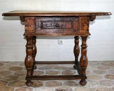 Kamarás asztal 1795