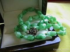 Muránói gyöngyökből készült nyaklánc