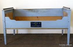 0G504 Antik parasztbútor 1933 -as ágy