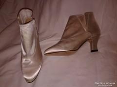 Vintage fehér női cipő alkalmi csizma 1920-as évek stílusa