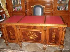 Olasz íróasztal/ intarzia