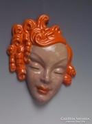 Komlós fali maszk: Vöröshajú nő