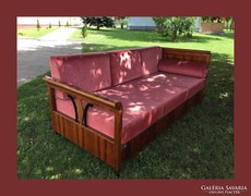Gyönyörű szófa,kanapé,francia ágy is lehet....