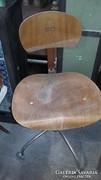 Retro gurulós szék