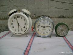 Három darab fémházas csörgőóra, vekker - javítandók
