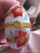 Kisebb méretű porcelán gyűrű tartó