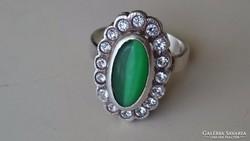 Ezüst gyűrű szép zöld kővel
