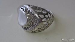 Gyönyörű áttört ezüst gyűrű