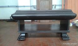 Neo reneszánsz asztal