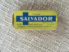 SALVADOR GYÓGYSZERES DOBOZ