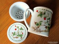 Porcelán szűrős és fedeles teáscsésze