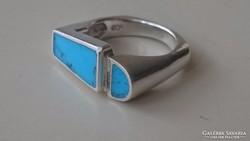 Különleges ezüst gyűrű türkiz berakással