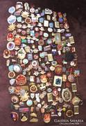 204 db. jelvény, kitüntetés, kitűző hagyatékból