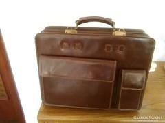 Irathordozó táska